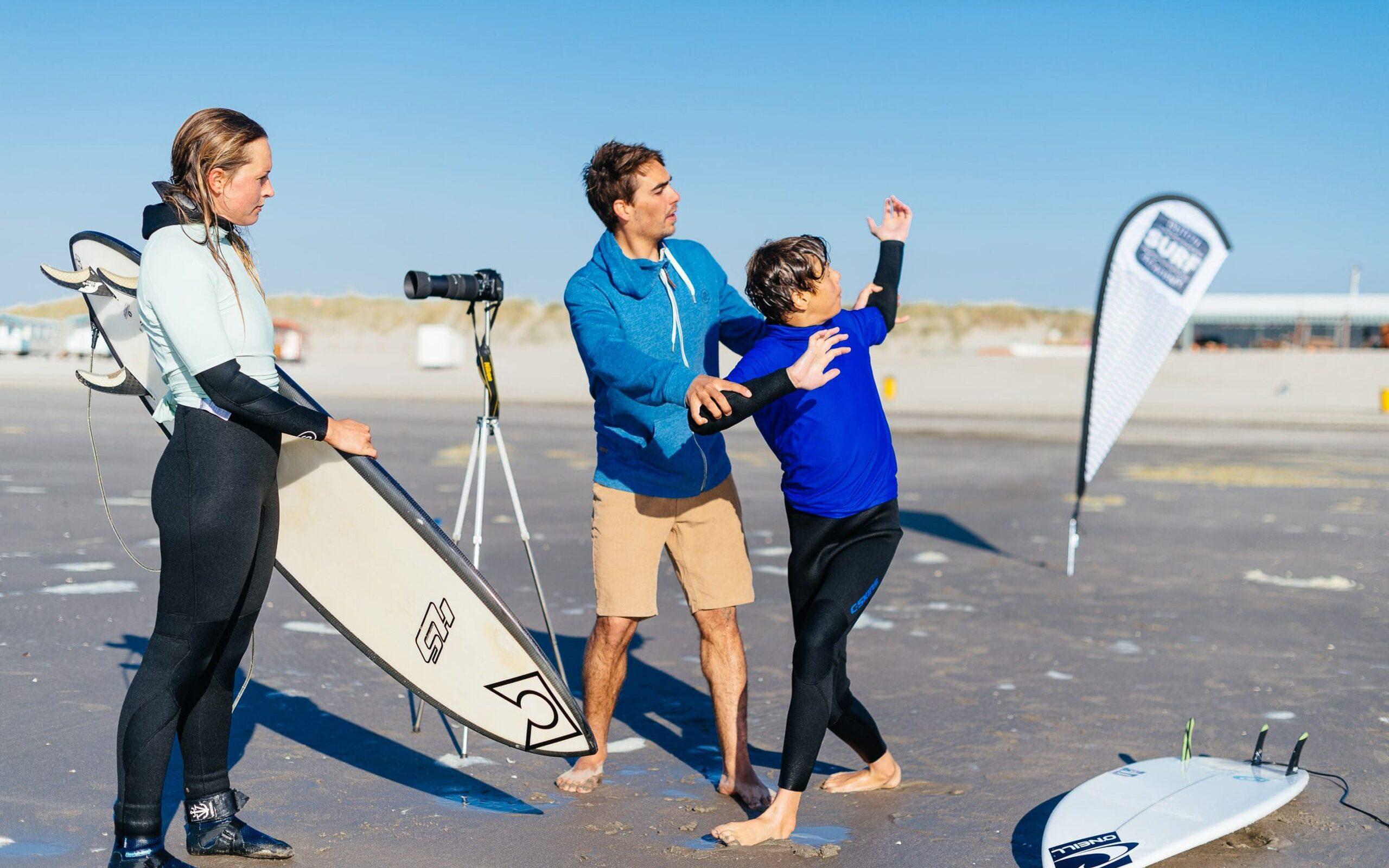 Surfschool surfcoacht intermediate surfers