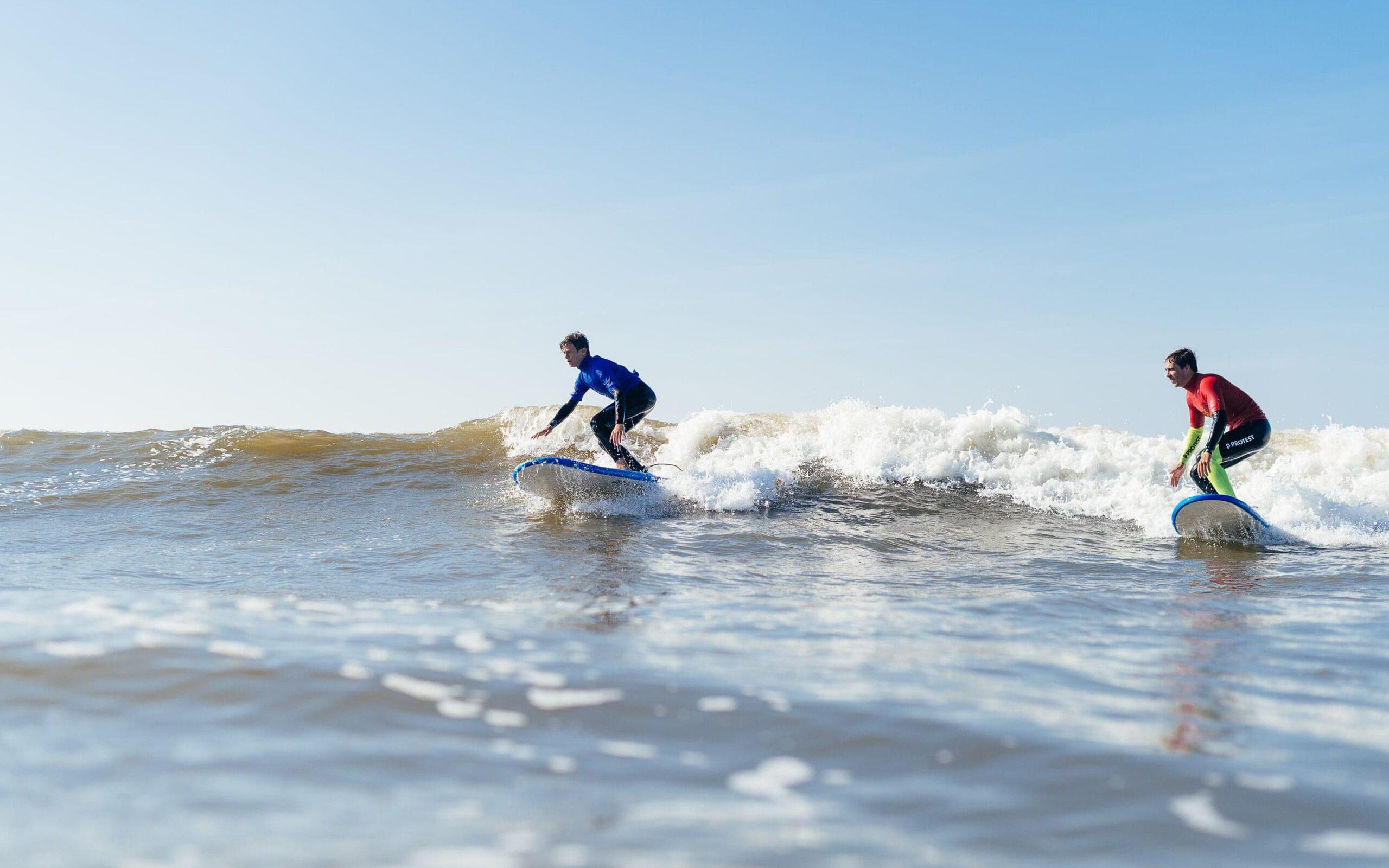 Priveles surfer greenwave