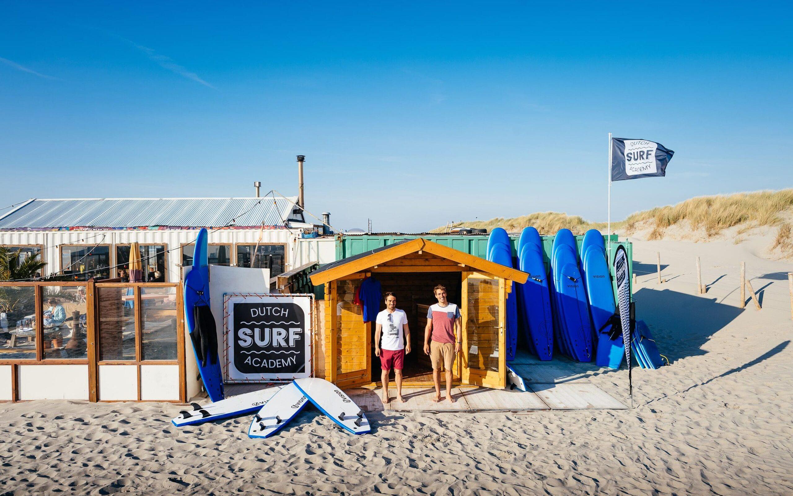 Surfschool bij strandtent De Pit